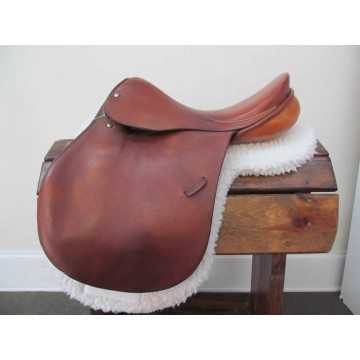 "Crump 17"" Close Contact Saddle"
