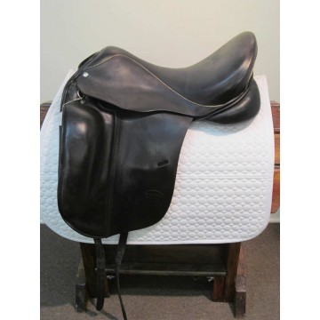 "Custom Saddlery 17-1/2"" Dressage Saddle"