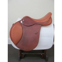 "Custom Saddlery 18"" Close Contact"