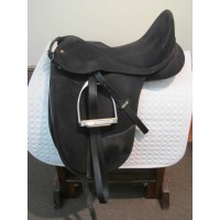 Wintec 17-1/2'' Dressage Saddle